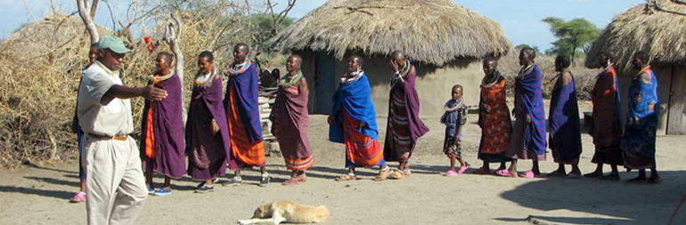 volunteer in community development project in maasai, kenya