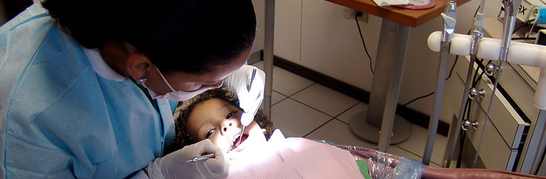 volunteer in dental project in peru