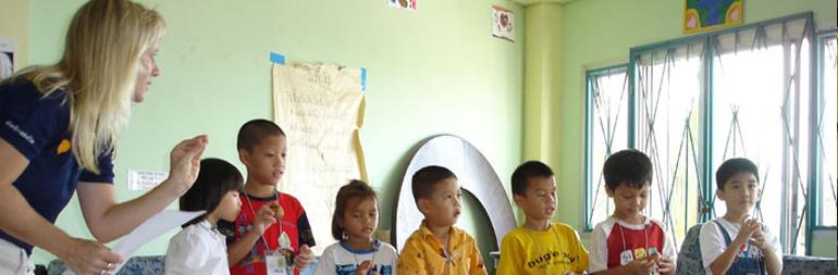 teaching english to primary schools children sri lanka Aliya gulamani: teaching deaf children in sri lanka  teaching english at orphanages and schools, sports coaching, psychology assistant courses – i felt that as a .